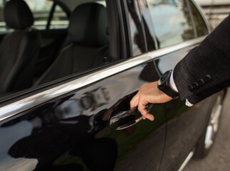 You limousin service in Frankfurt